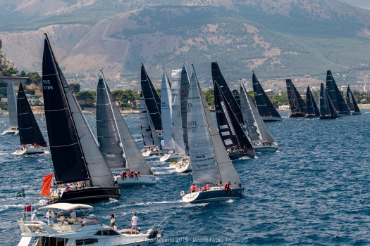 Palermo-Montecarlo offshore race: VERA leads away